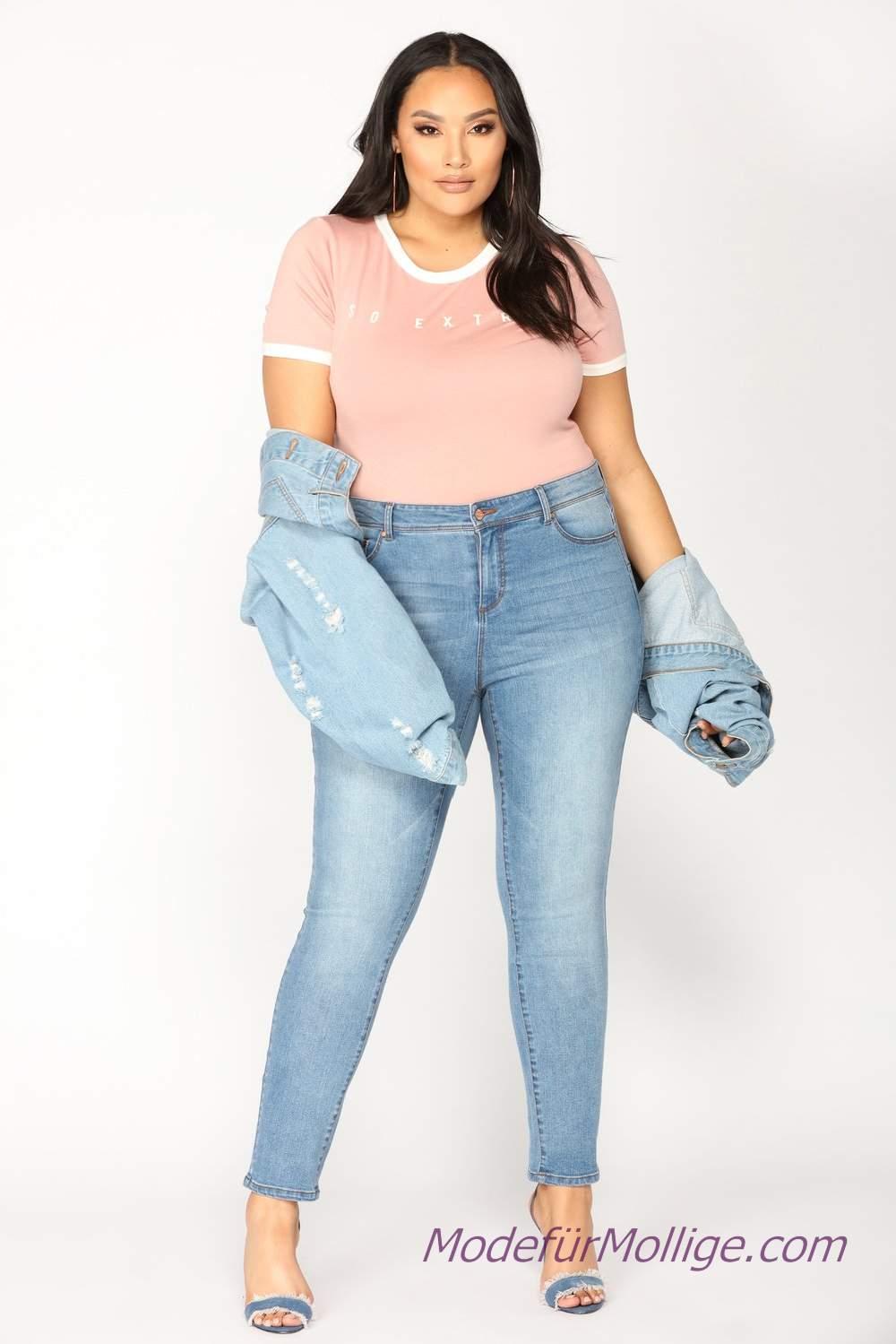 Kleidung für mollige frauen kombinieren; Jeans, Rosa T ...