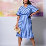 Große Größen Gestreiftes Blau Taillenkleid mit Kimonoärmeln