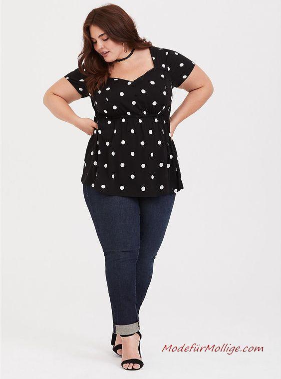 Mode für Mollige Junge Frauen - Blaues & rosa kariertes Twill Lager Hemd mit Schwarze Hosen