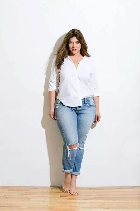 11 süße Outfits zu Jeans Kombinieren für Mollige Frauen