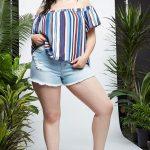 Sommer Mode für Mollige Damen Blau Jeans Shorts Blaue trägerlose Bluse