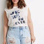 Sommer Mode für Mollige Damen Blau gerippte Jeansshorts Weiße ärmellose Bluse